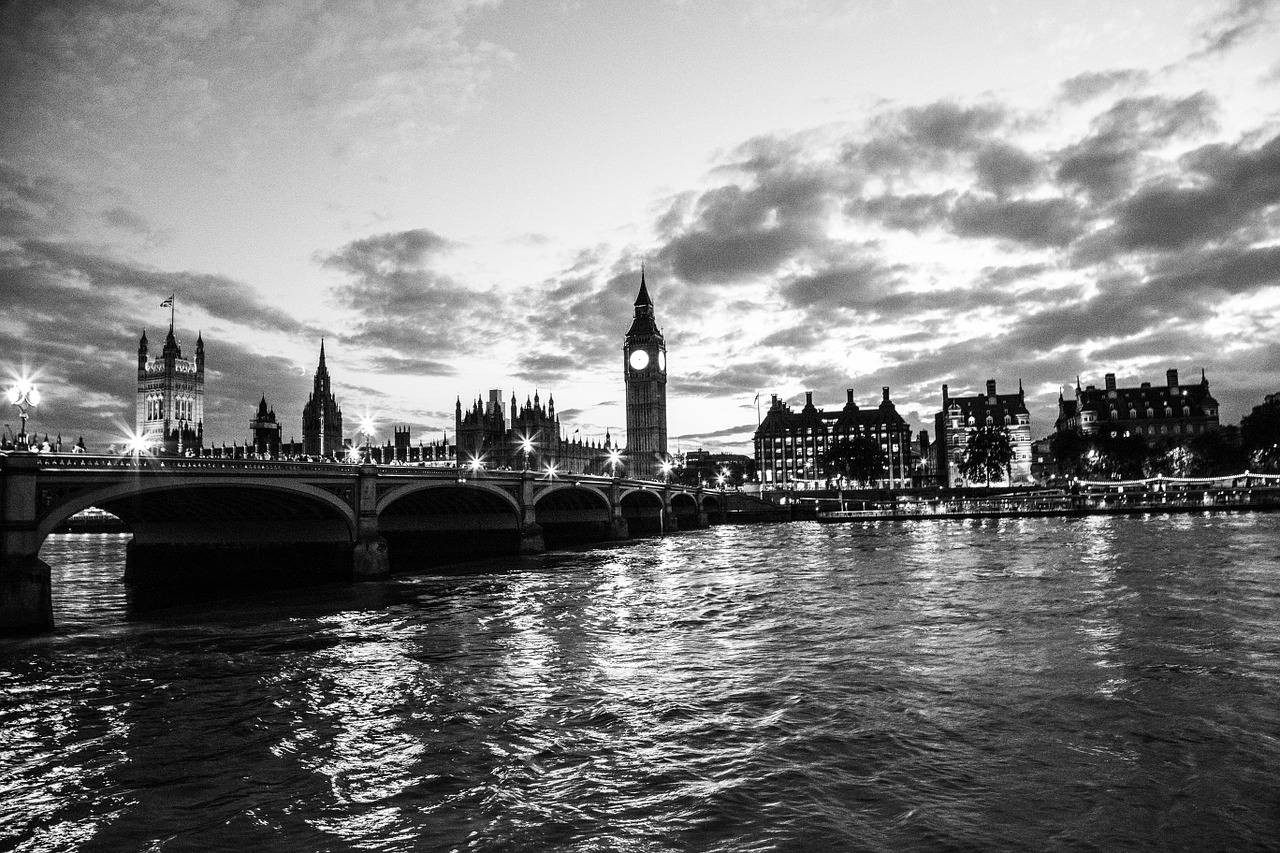 palace-of-westminster-203489_1280